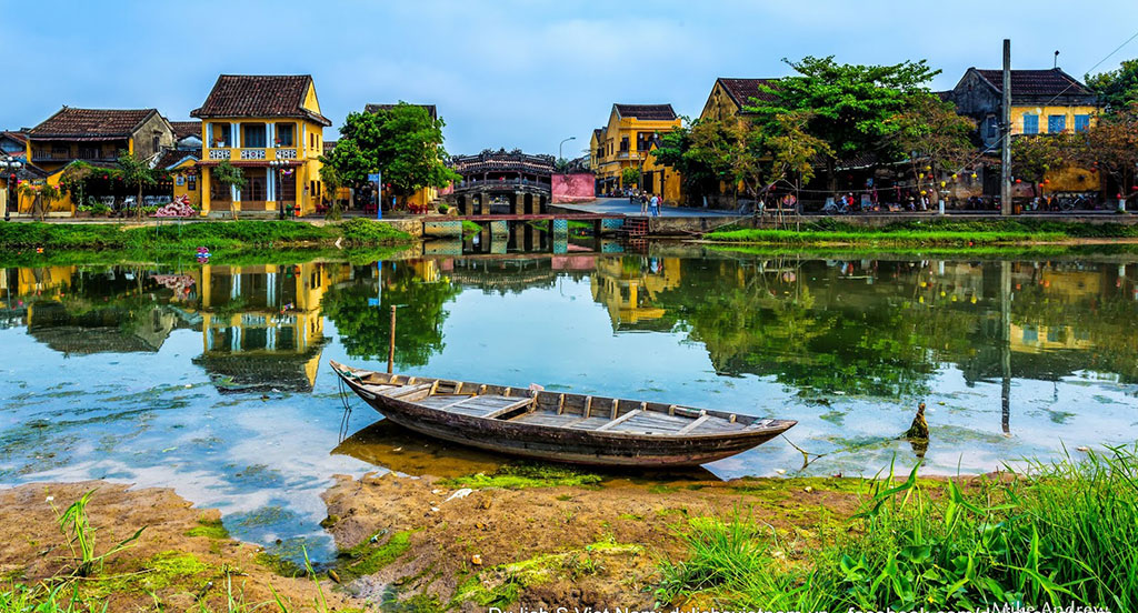 the background information about my country vietnam Vietnam is known as a wet rice farming country, animal breeding was not well developed and people mainly live on vegetable and aquatic thing such as shrimp, fish and snail as a result, boiled dishes are the most popular, and fish sauce is a certain demand.